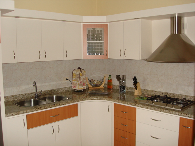 Cocinas en ceramica y cemento for Cocinas modernas en cemento
