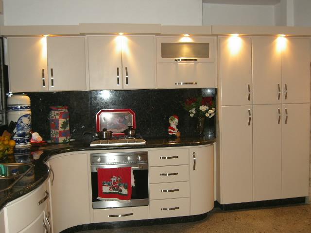 Cocinas empotradas visi n fotos de cocinas ba os for Ceramica para cocina fotos