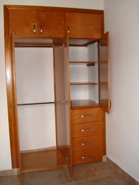 Imagenes de closet peque os imagui for Cocinas integrales homecenter cali